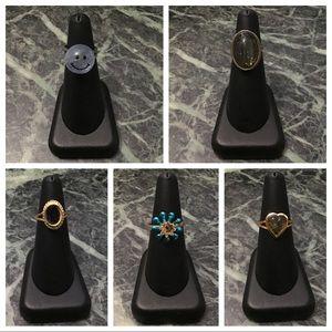 5 vintage rings (3 mood rings)